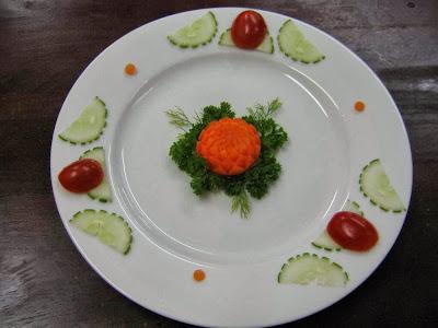 Món ăn ngon: Nghệ thuật trang trí đĩa hoa cúc