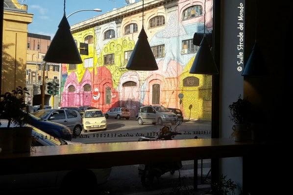 l'ampia vetrata del ristorante
