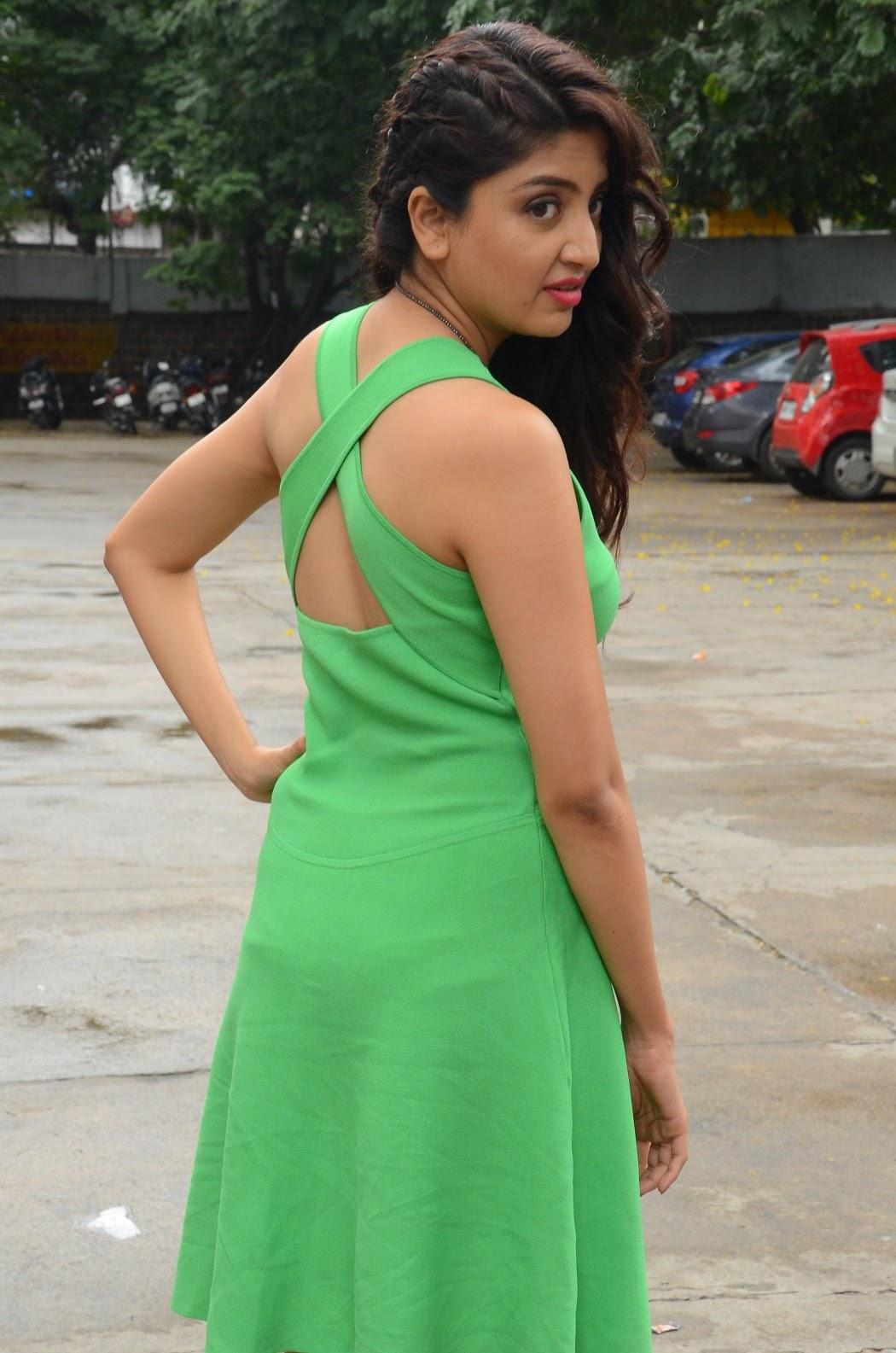 Poonam Kaur latest sizzling photos-HQ-Photo-1