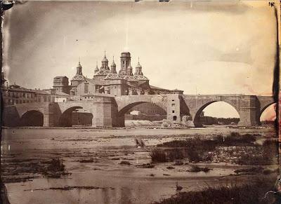Basílica del Pilar de Zaragoza en construcción antes de 1880