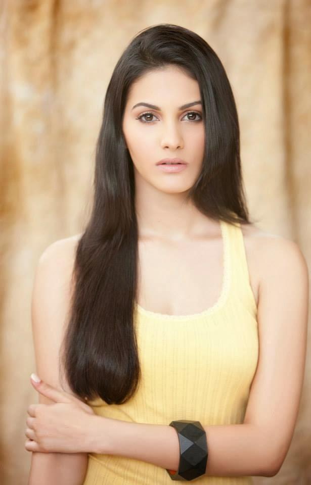 Anegan movie herione Amyra Dastur Photos | Moviesgala