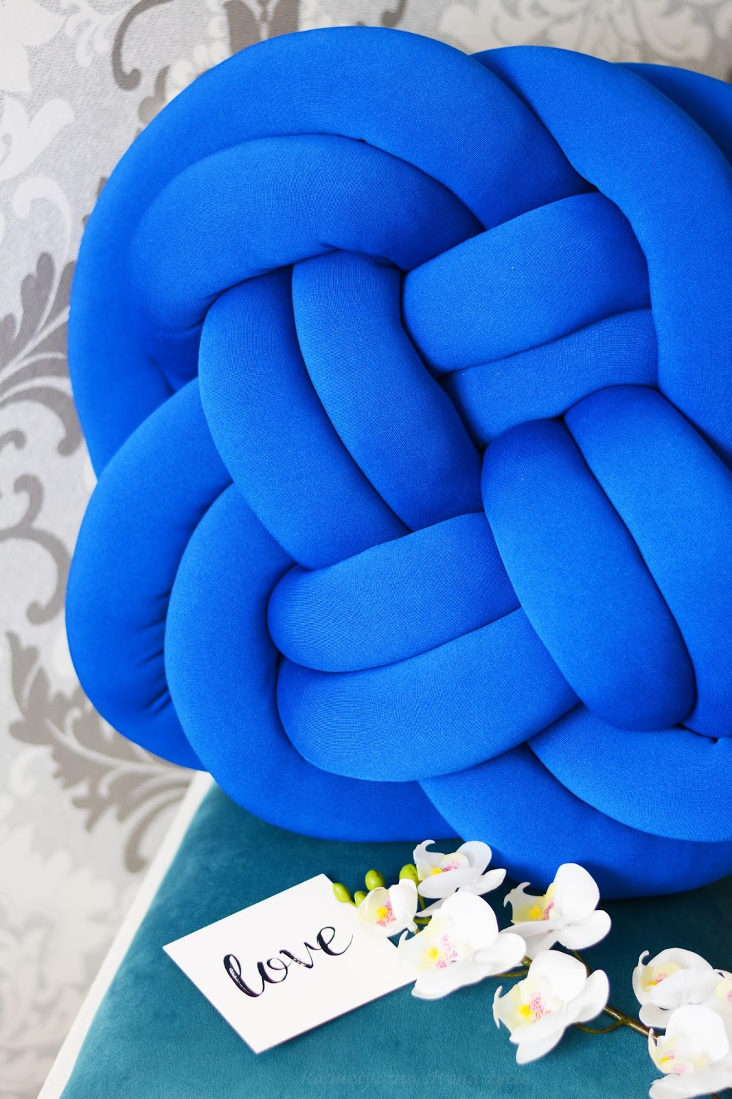 Poduszka Knot Pillow Tuli Wooly