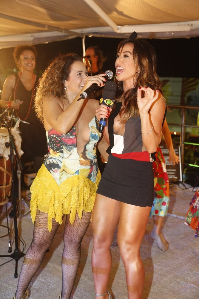 Banda Eva, Sabrina Sato e Daniela Mercury na micareta de Feira de Santana 8e6a5572ef