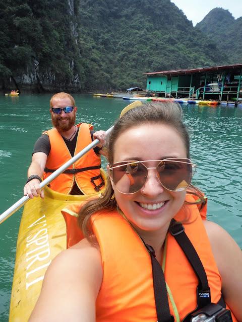 kayaking halong bay vietnam