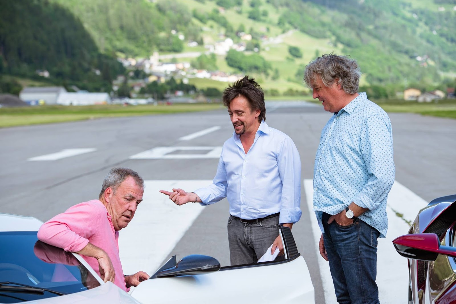 the grand tour 39 s opening episode to feature hammond 39 s rimac crash carscoops. Black Bedroom Furniture Sets. Home Design Ideas