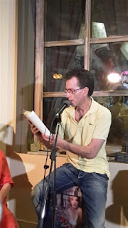 Ο Μπίγαλης διαβάζει αποσπάσματα από το βιβλίο