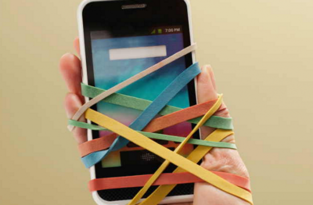 Smartphone Addiction Can Cause Health Issues