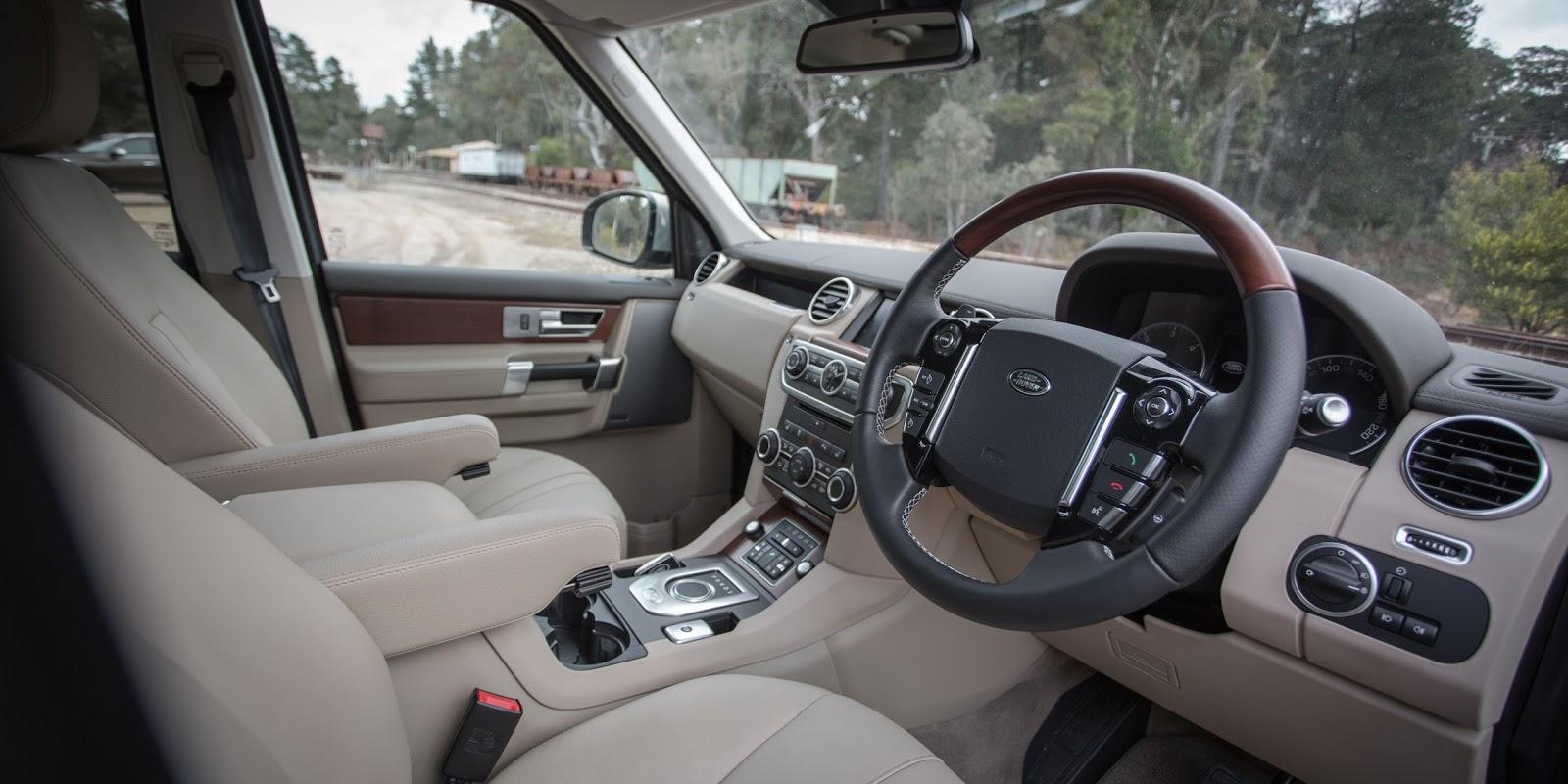 Khá nhiều tính năng được trang bị trên chiếc Land Rover Discovery 2016