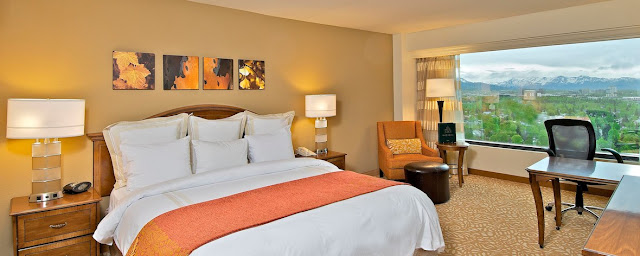 The 393-room Anchorage Marriott Downtown is a fresh place to stay in a winning downtown location. A big brand name may sound predictable, but this full-service hotel is also one of the most upscale places in town.