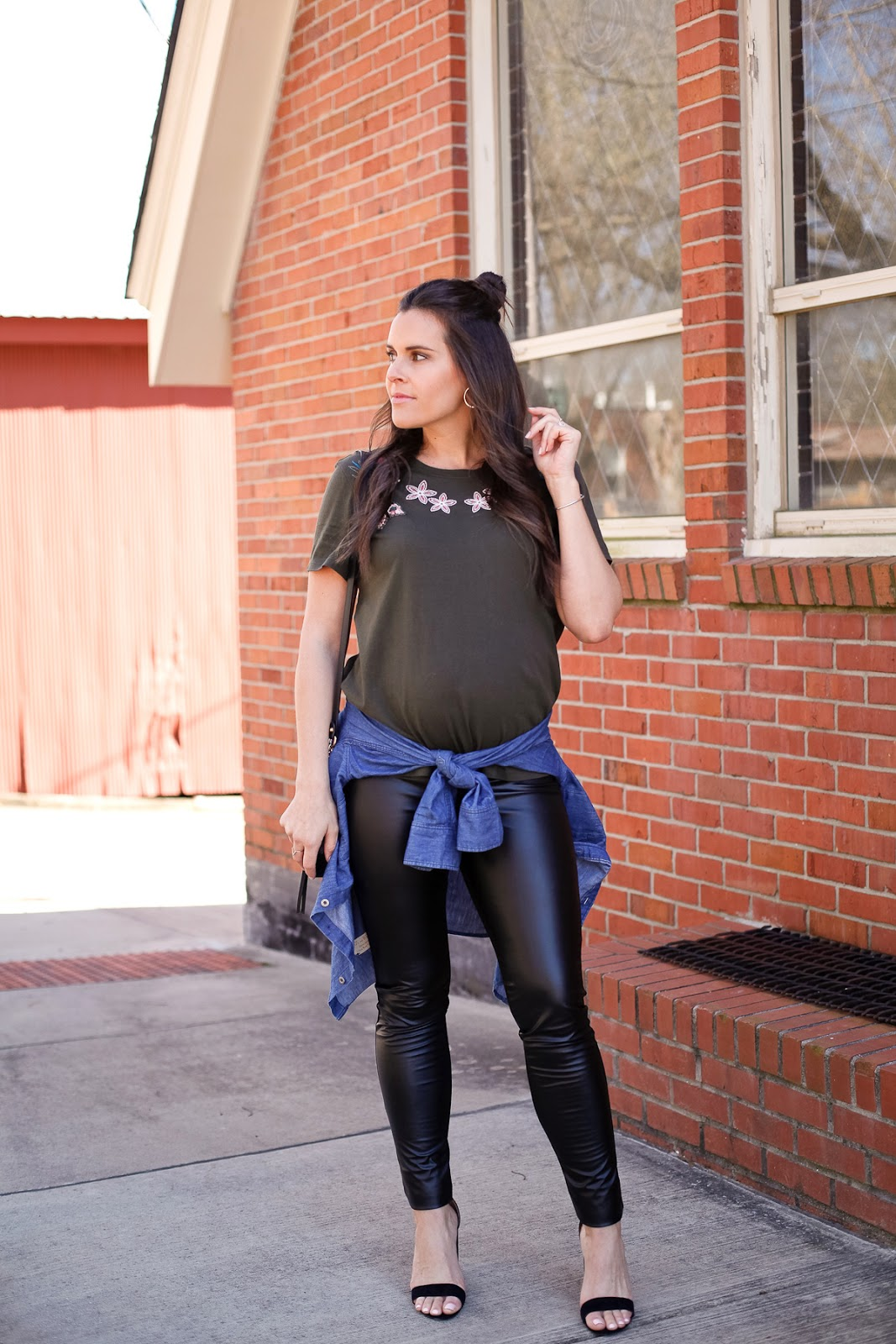 How to style a maternity spring transition outfit