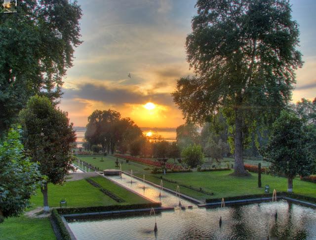 Nishat bagh Srinagar Mughal garden