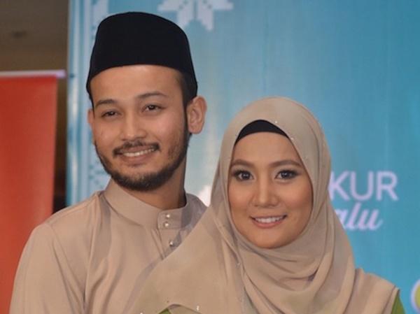 Tahniah! Yana Samsudin Dan Suami Selamat Timang Cahaya Mata