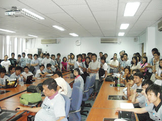Make FLOSS Software Speak Your Language audience,  BarCamp Yangon 2011