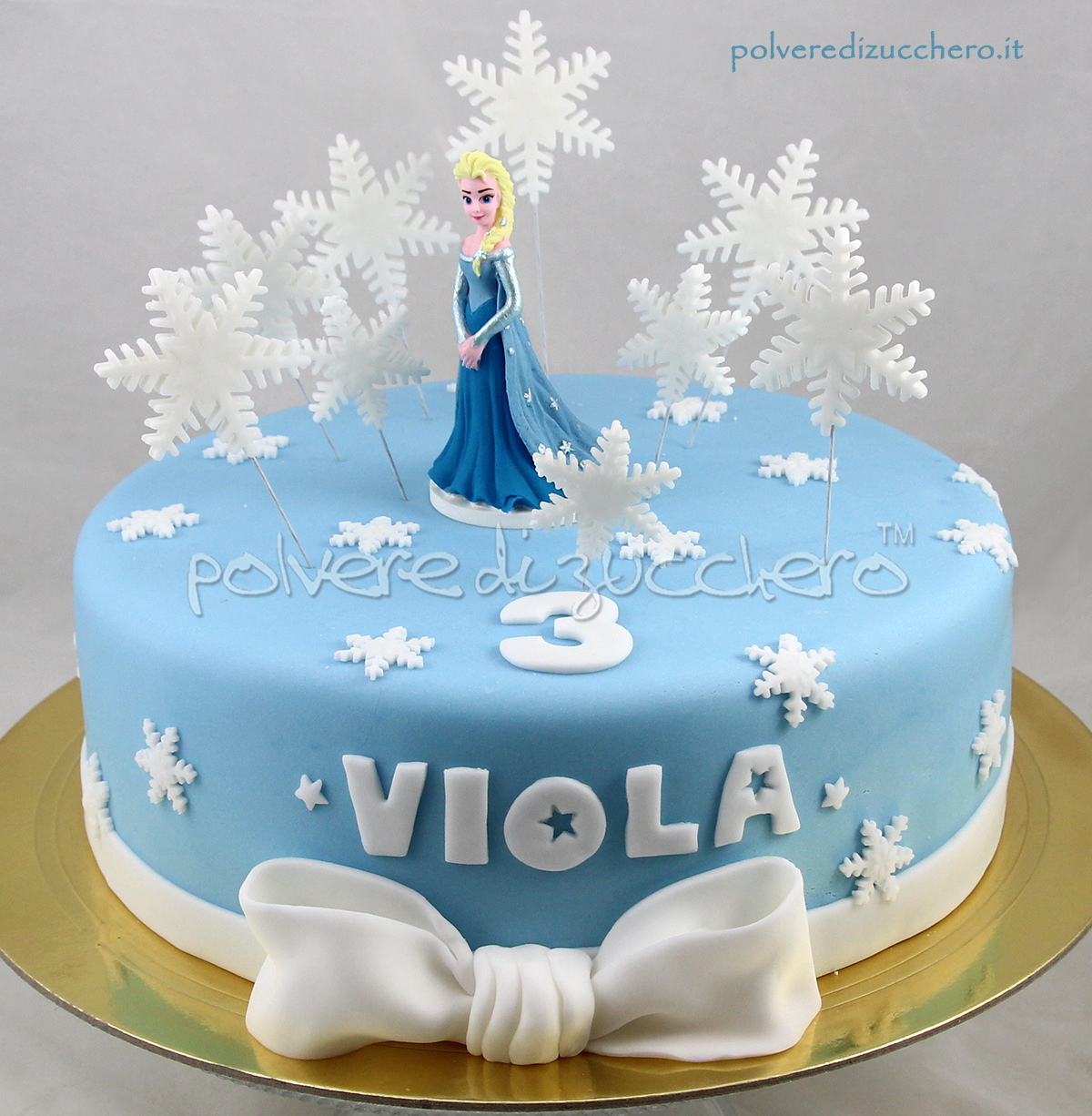 Torta Frozen In Pasta Di Zucchero Con on wedding cupcake ideas