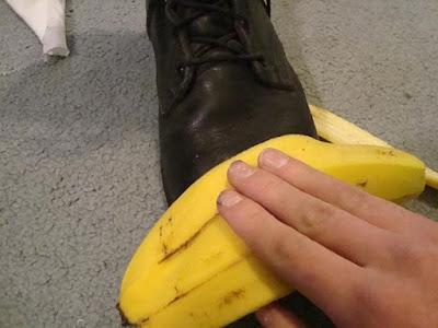 Những mẹo nhỏ khi đánh giày cho bạn