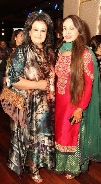 Tarot Card Reader Poonam Sethi with Deepa Sondhi