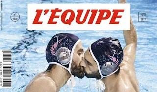 Εξώφυλλο κατά της ομοφοβίας από τη L'Equipe