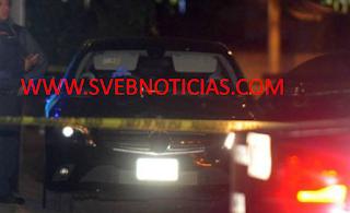 Dejan un ejecutado dentro de auto Mercedes en Coyoacan de la CDMX