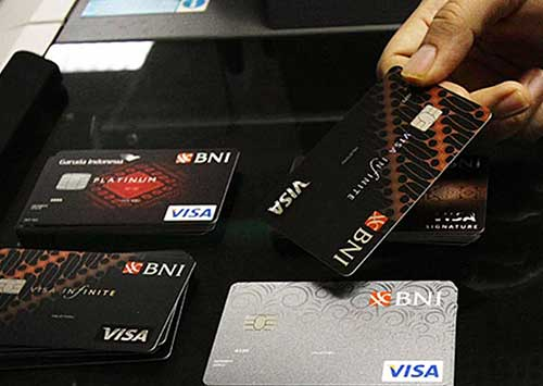 Berapa Usia Minimum Pemegang Kartu Kredit BNI