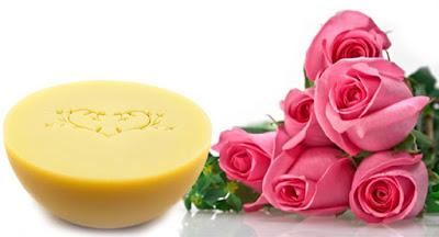 natúr szappan, kozmetikum, vegán, vegyszermentes, természetes, pálmaolajmentes, állatkísérletmentes, kézműves,  érzékeny bőrre, magyar termék, bőrbarát, bőrápoló, tiszta,  bőrápolás, környezetbarát, bőrbarát,