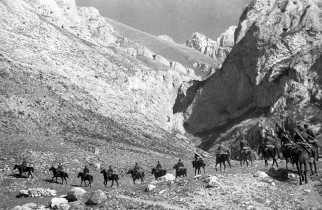 Horses in World War II worldwartwo.filminspector.com Soviet troops Caucasus