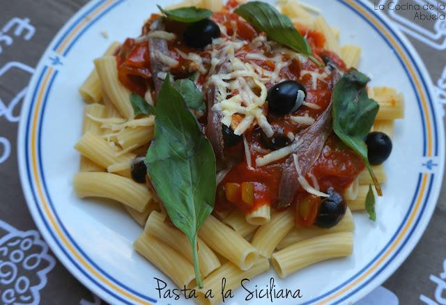 Pasta a la siciliana. Tortiglioni.