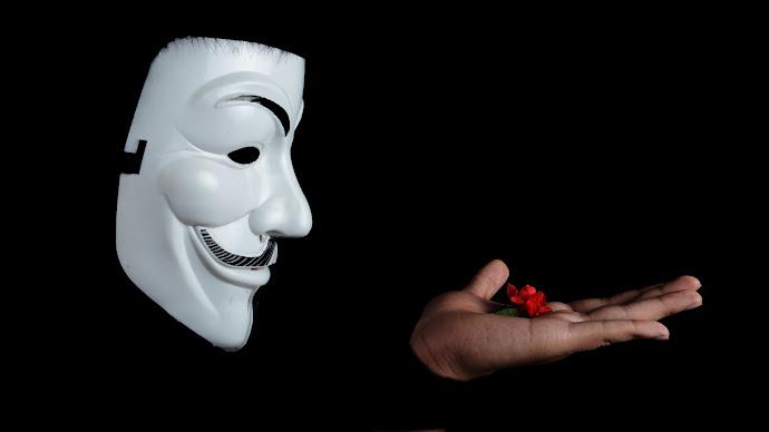 Wallpaper: Anonymous Mask
