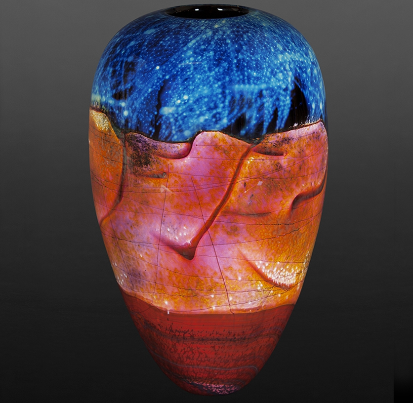 15-Sedona-Richard-Satava-Glass-Blowing-and-Solid-Forms-with-3D-Shapes-www-designstack-co
