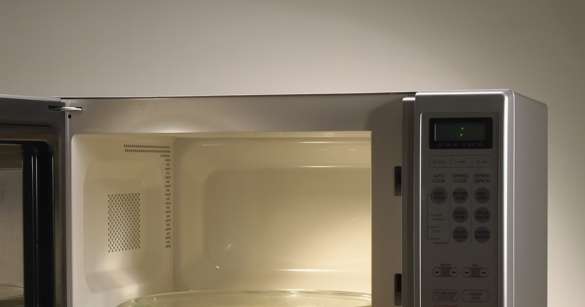cleaning the microwave - 980×490