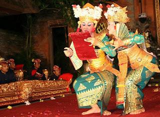 http://www.teluklove.com/2017/02/pesona-keindahan-wisata-tari-legong.html