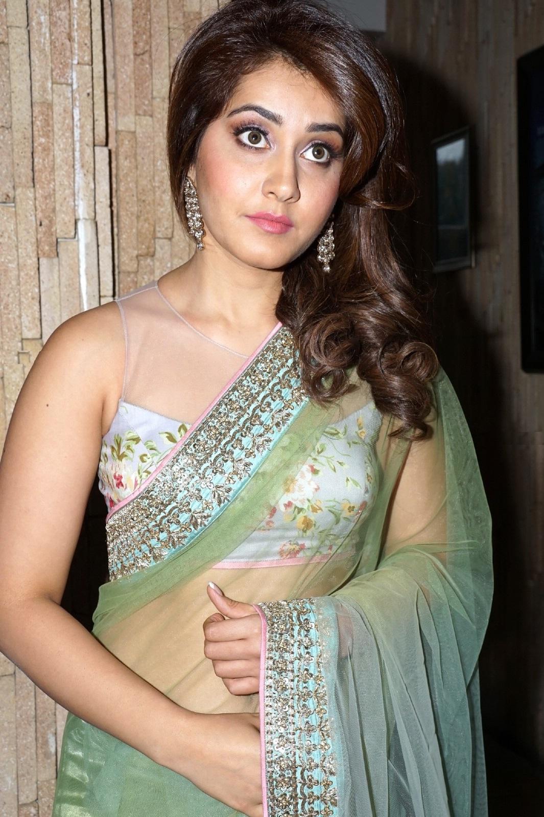 Rashi Khanna At Lakme Fashion Week Photos