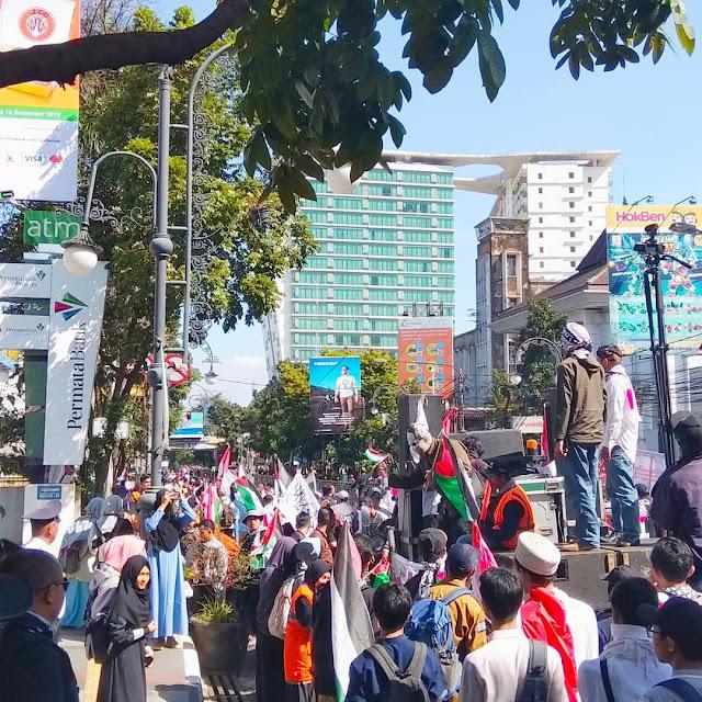 Cerita Ikut Aksi Solidaritas Dunia Islam Berduka di Bandung