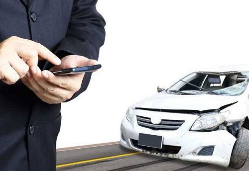 Tips Berkendara Agar Terhindar Dari Mobil Kecelakaan