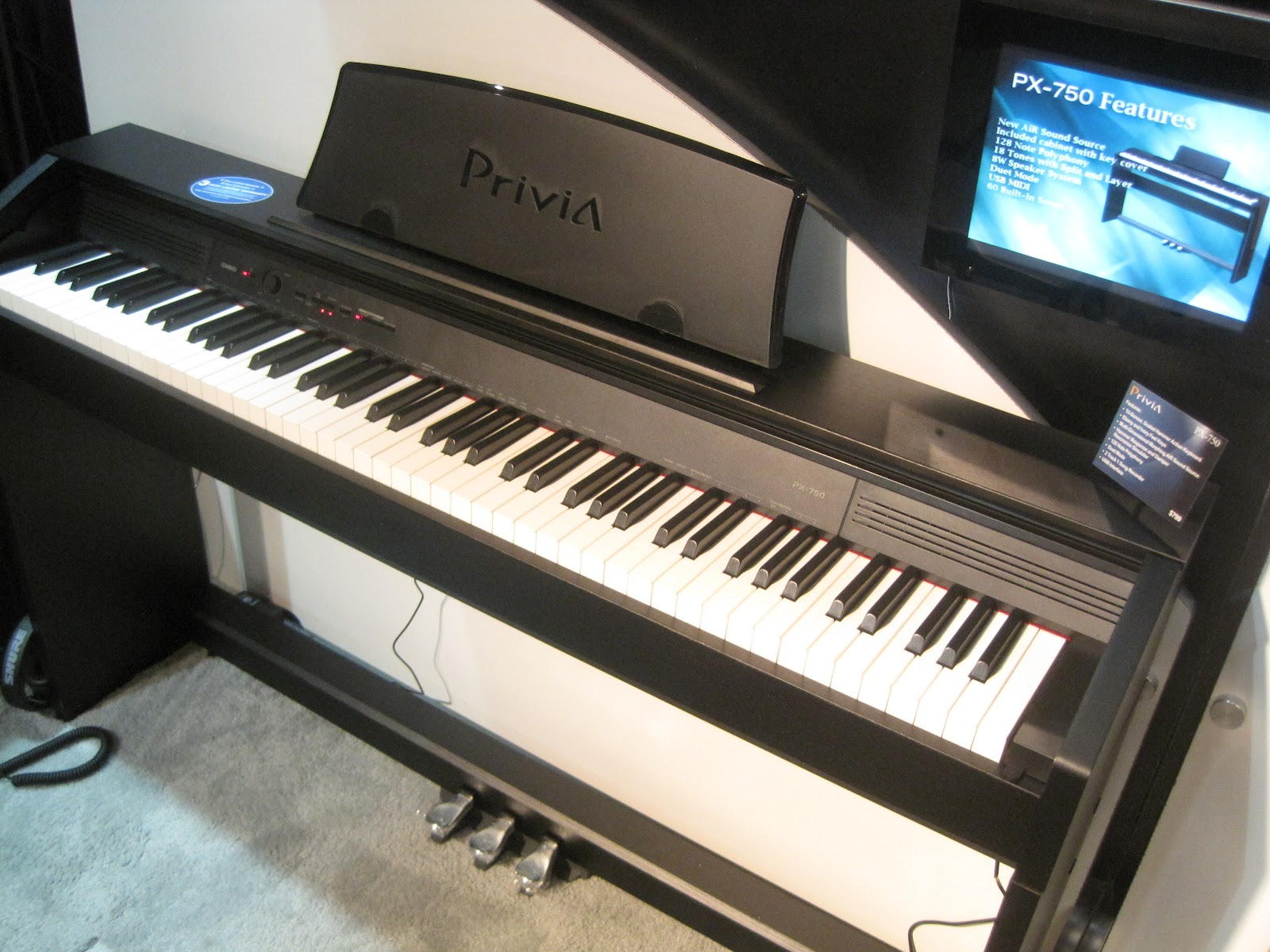 az piano reviews review casio px750 privia digital piano recommended new low priced piano. Black Bedroom Furniture Sets. Home Design Ideas
