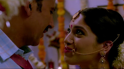 Akshay Kumar & Bhumi Pednekar Wedding HD Wallpaper