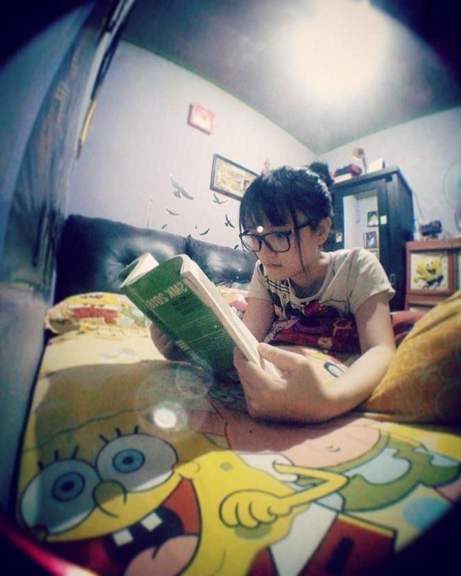 Foto Wanita Cantik Lagi Belajar : Kiddle.ID