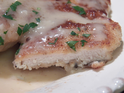 chicken piccata, closeup view