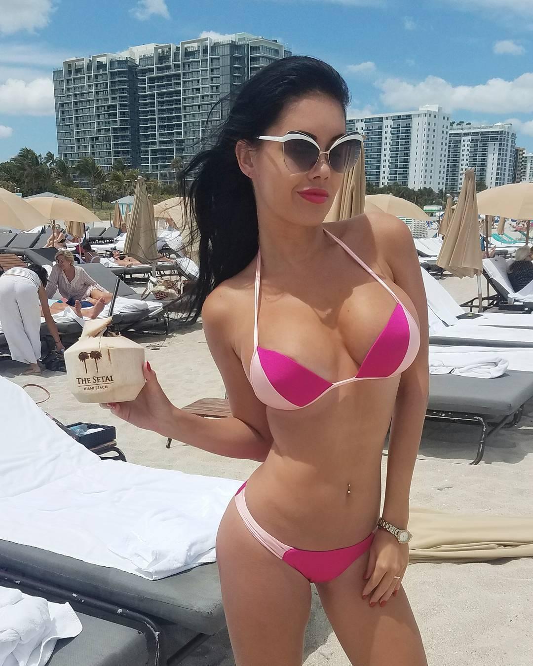 Karin Chiche Latest Bikini Photos