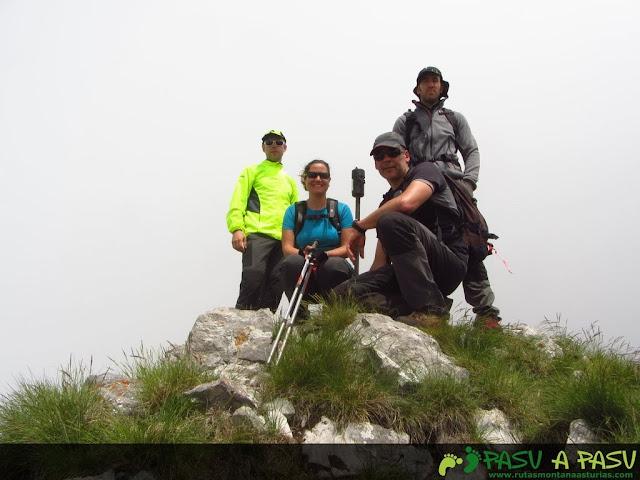 Ruta al Pico Torres y Valverde: Cima del Pico Valverde
