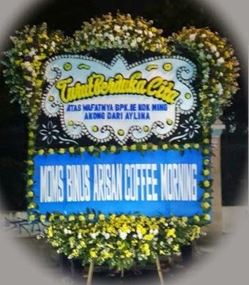 Toko Bunga Di Area Rumah Duka RSPAD Gatot Subroto