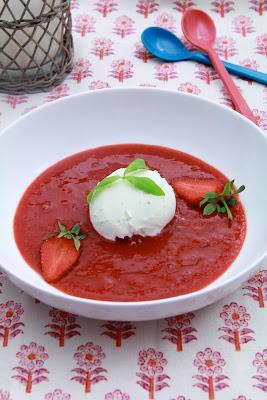 dessert light , facile , d'été , verveine , fraises