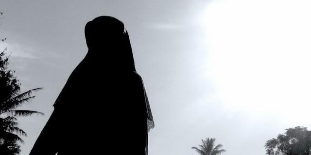 Image result for Sifat Yang Harus Dijauhi Oleh Sang Istri