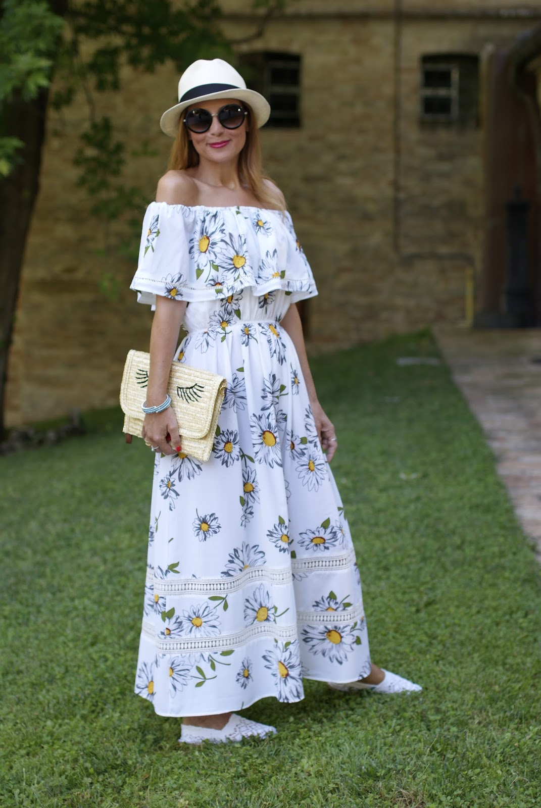 Summer off the shoulder dress on Fashion and Cookies fashion blog, fashion blogger style