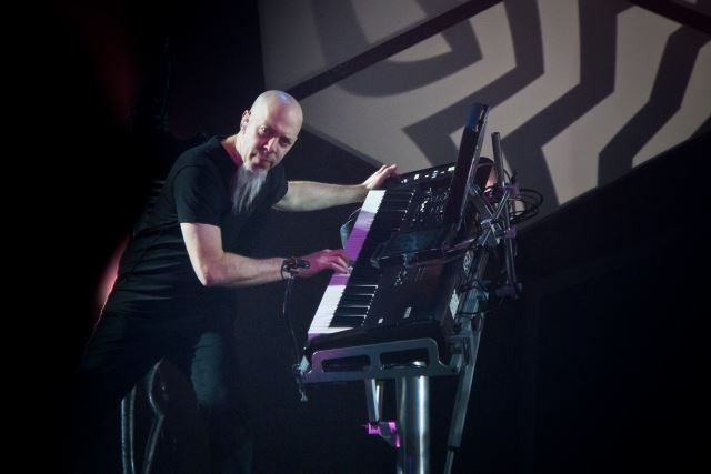 "JORDAN RUDESS (Dream Theater): Solo album τον Απρίλιο. Ακούστε το ""Wired For Madness Pt 1.3 (Lost Control)"""