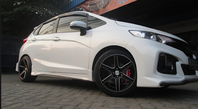 Honda Jazz Use Velg Vossen CV6 Ring 17