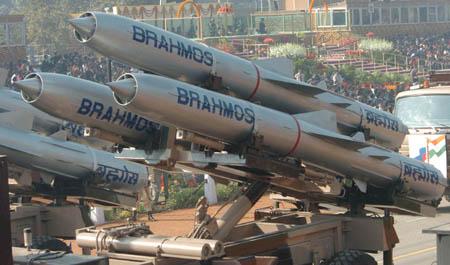 الجزائر في الطريق للحصول على صواريخ  براهموس