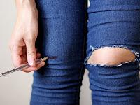 Cara Merawat Celana Jeans Agar Cerah dan Tidak Kusam