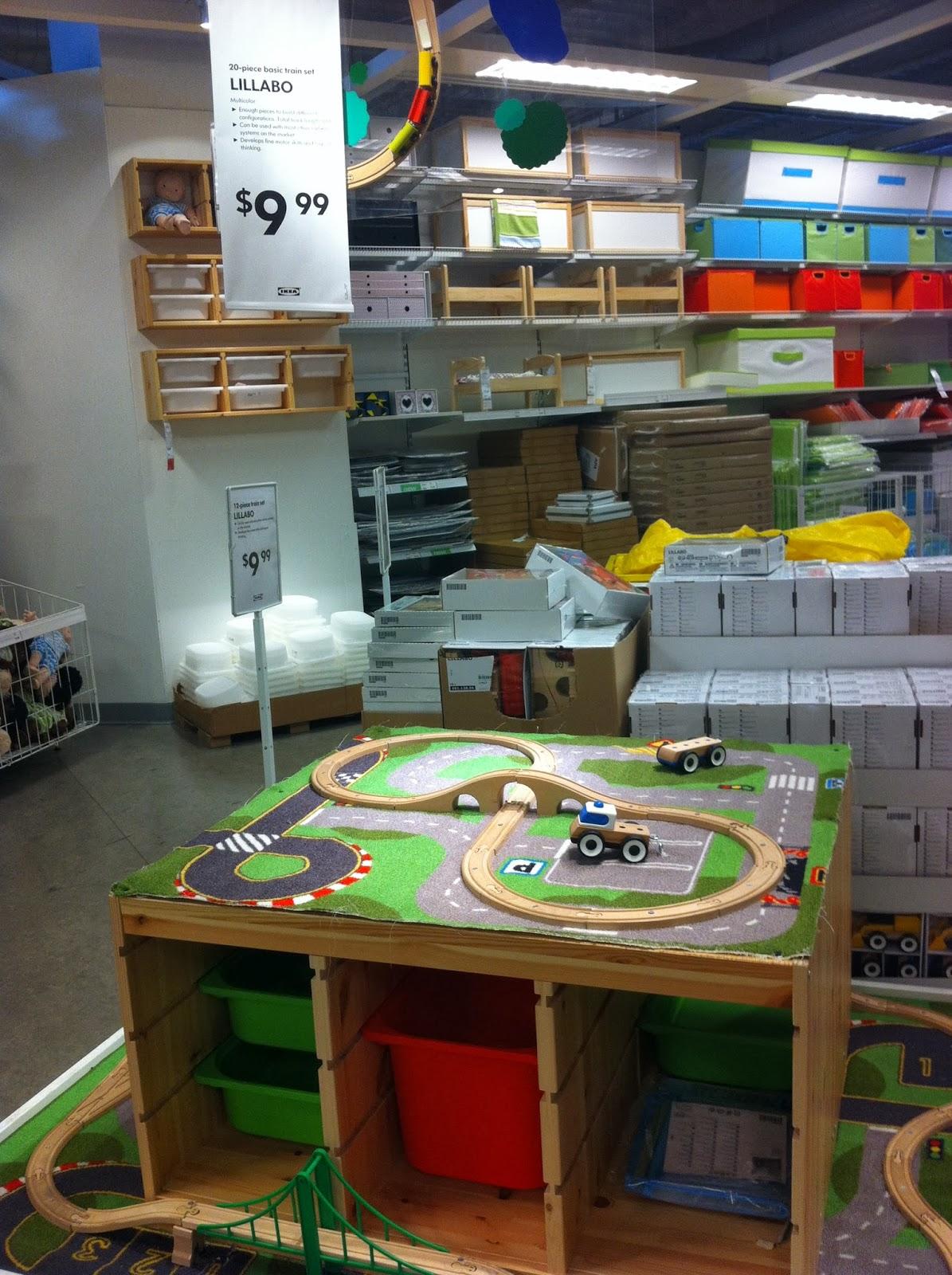 Ikea Train Set Table & LILLABO 20-piece Basic Train Set ...