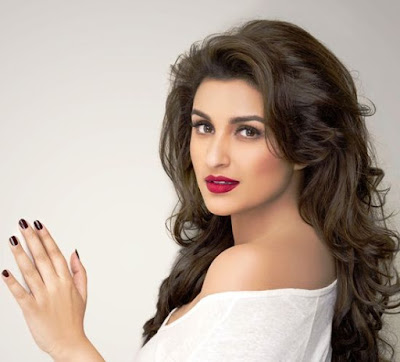 Parineeti Chopra Hot look
