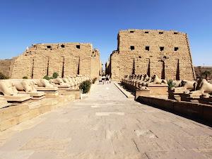 Candi Karnak